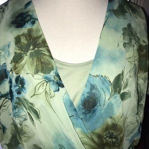 Floral wrap blouse - size 16w
